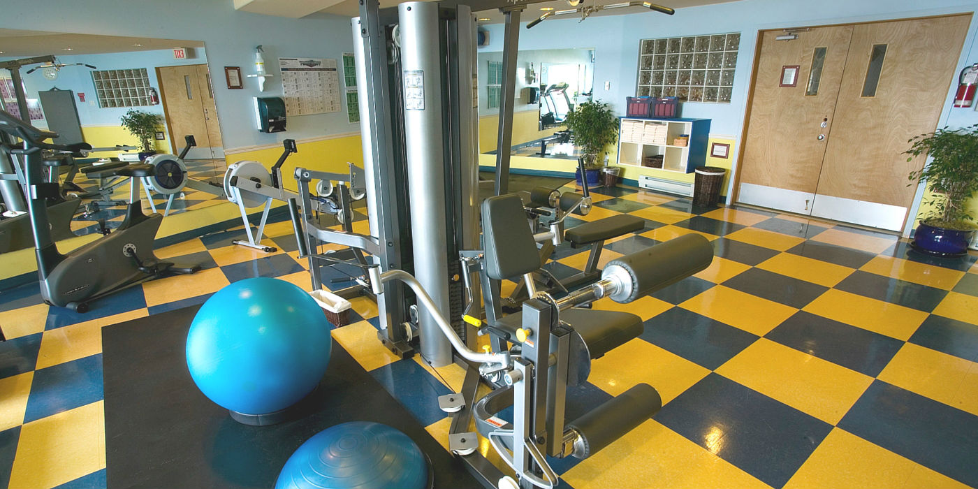 kingfisher-resort-1400x700-gym