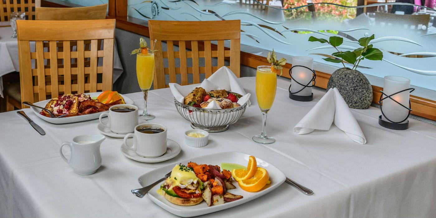 kingfisher-resort-1400x700-restaurant-breakfast