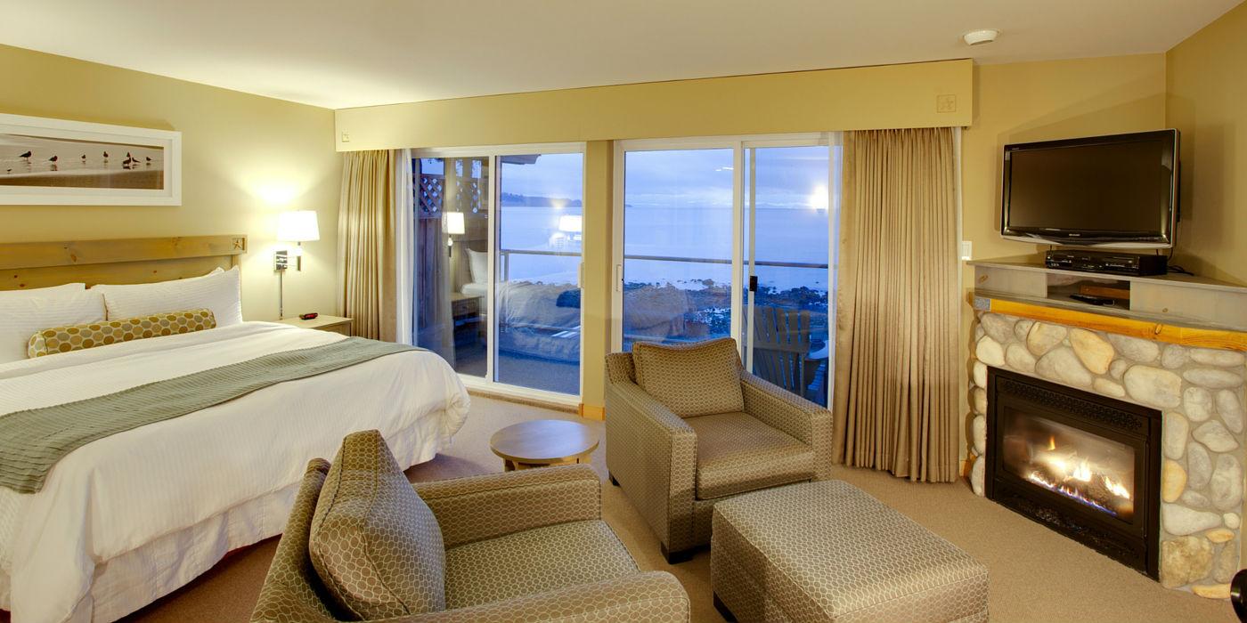 kingfisher-resort-1400x700-room2