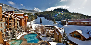 legends-whistler-1400x700-exterior-snow