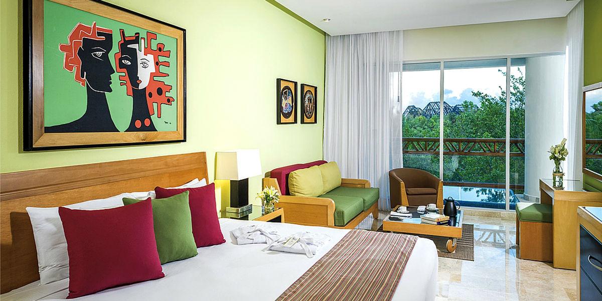 Grand-Mayan-Palace-bedroom-1200x600