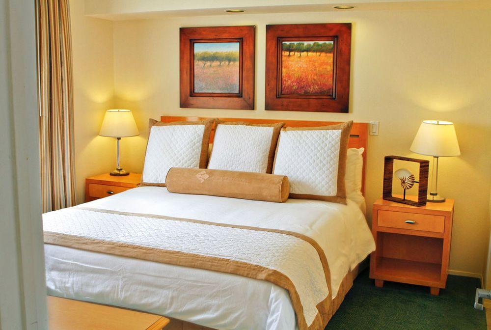 carlsbad-seapoint-resort-bedroom